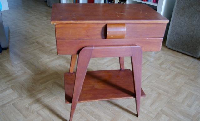 le petit meuble de couturi re relook bleu noisette. Black Bedroom Furniture Sets. Home Design Ideas